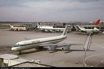 Photo of United Airlines DC-8