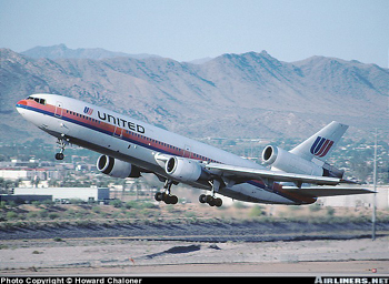 Photo of United Airlines DC-10